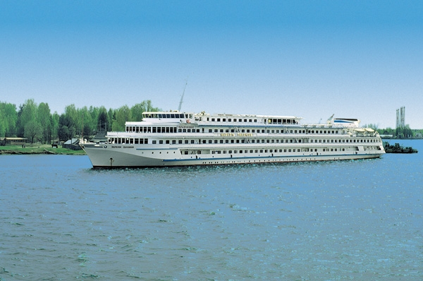 Refurbished River Cruise Ships in Russia – 2011