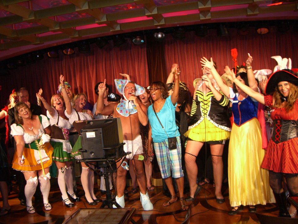 A Treat for Singles:  2012 Halloween Singles Cruise
