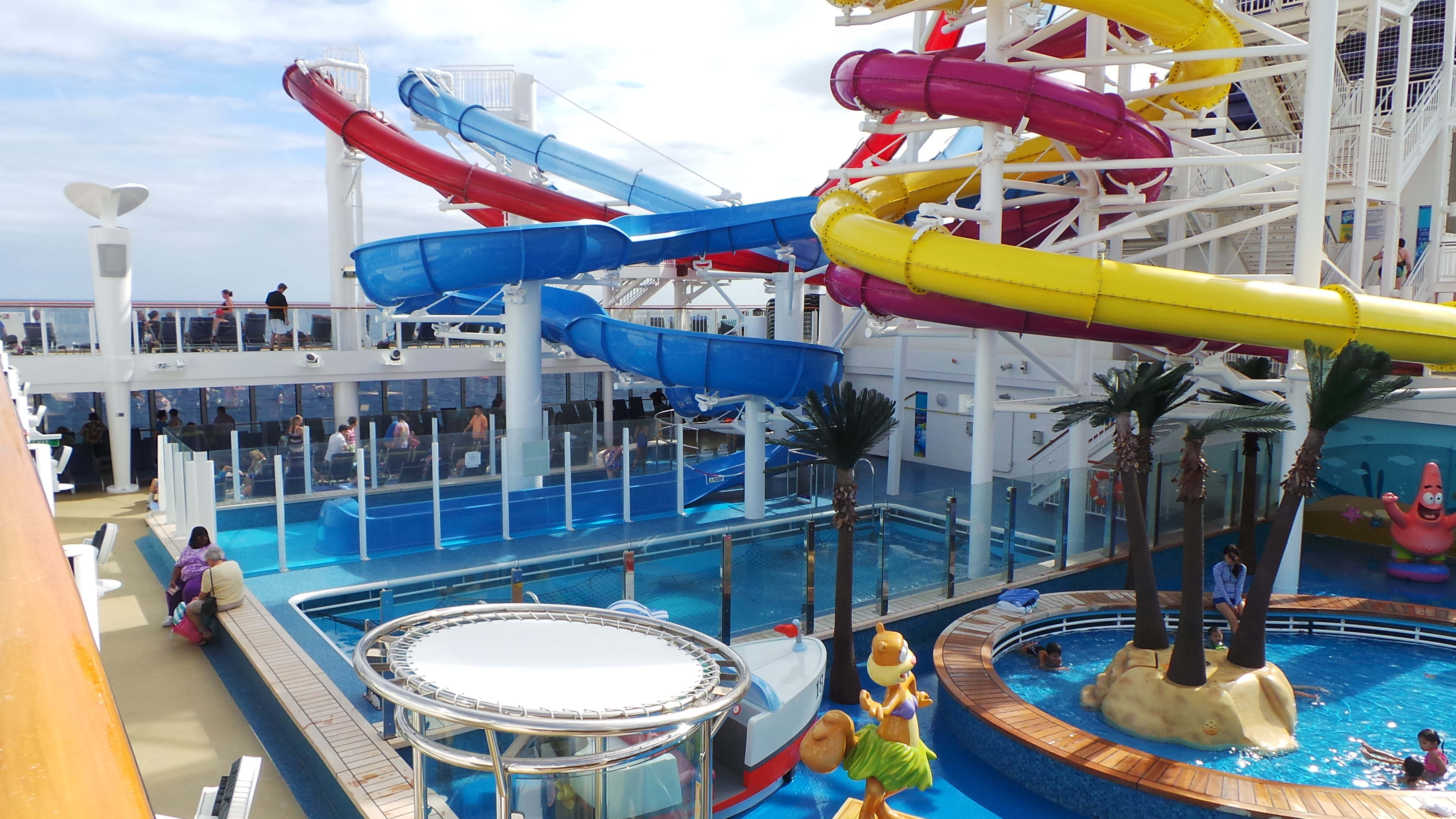 Top Cruise Ships For Multigenerational Family Cruises CruiseSource - Family cruise ships