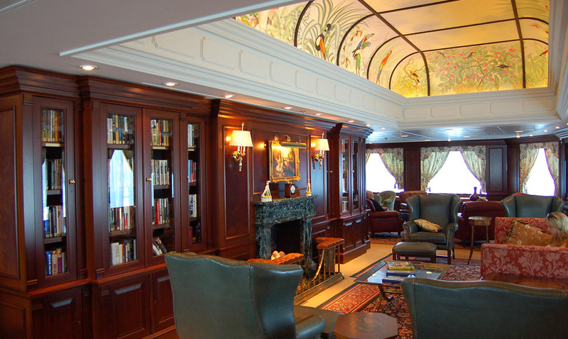 Oceania Regatta Lounge Photo